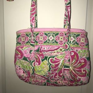 Iconic small Vera tote and matching organizer bag